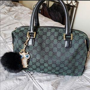 Signature Gucci handbag!